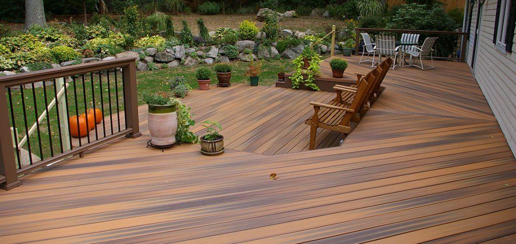 Build A Wooden Deck Like A Carpenter